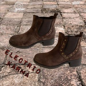 Niko electric karma brown ankle boots